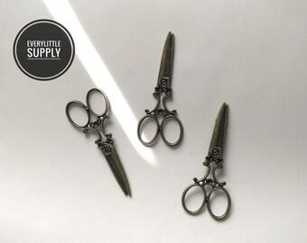 3pcs 24x60mm Antique Bronze Lovely Filigree Huge Scissors Charm Pendant