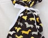 Cloth Gift bag - Wiener Dog Gift Wrap - Reusable Gift Bag, Eco Friendly Gift Bag (Medium)