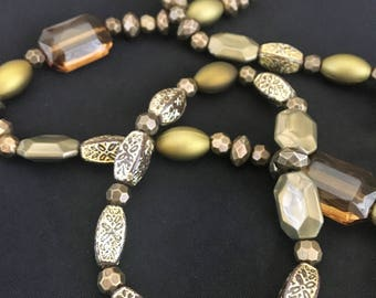 20% Off Mother's Day Special Handmade bead necklace (olive)