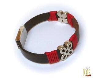 Flat 10mm two-tone leather bracelet