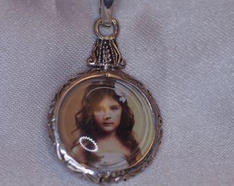 Stg-Silver vintage style photo pendant - revival of an old English novelty I have redesigned with my pearl enhancer clip,