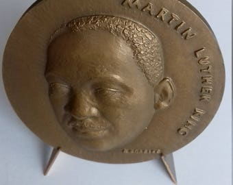 Martin Luther King bronze medal 1969 engraved by restaurants
