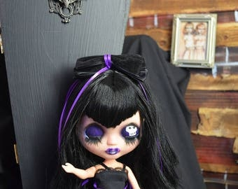 Skeleton Smile Blythe Clone Doll and Coffin Carrying Case