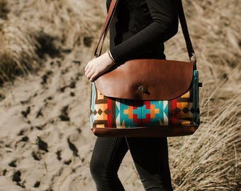 Free Shipping! Messenger Bag—Rio Rancho Pattern