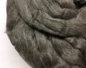4oz Grey Finnish Top- Decembers Featured Breed roving wool