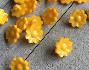 "Flower Buttons (B85) 20 Golden Orange 5/8""  Flower Plastic Shank Buttons for Sewing Crochet Knitting Crafting Scrapbooks Baby Kids Crafts"