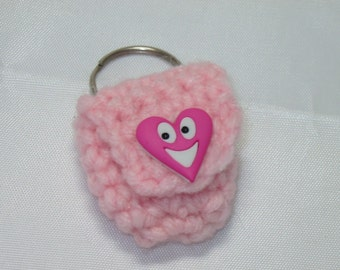 Crochet keychain Coin Cozy, coin holder, coin pouch, mini purse, coin purse, ring holder  -Light Pink with Smile Heart Button