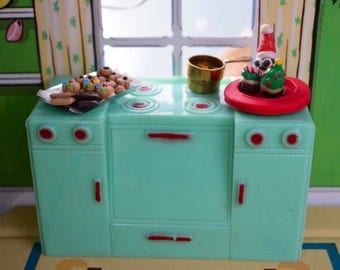 Vintage 1960's Plasco Dollhouse Stove With Miniature Christmas Baking Accessories