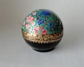 Vintage Round Kashmir Paper Mache Lacquered Trinket Box Wild Flower Garden Blossoms HandPainted Lidded Ball Large Treasure Valet Dresser Box