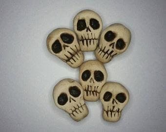 Six Skull, beads a