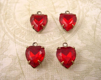 4 vintage glass siam ruby red  heart antique brass ox  Prong Settings 1 Ring close Backs charms 10mm