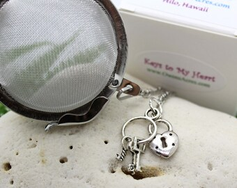 Tea Ball Infuser with Keys To My Heart Charms