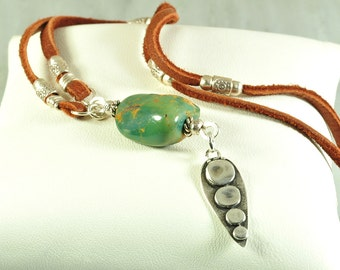 Turquoise necklace | Pendant necklace | leather necklace