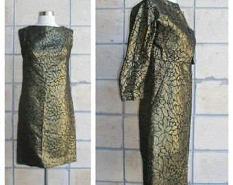 60s gold metallic sheath dress with overlay jacket. Sexy cocktail dress in metallic brocade+ matching cover'lette sheath top. Size S.
