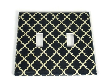 Double Light Switch Cover Wall Decor Switchplate  Switch Plate in Navy and Cream Quatrefoil  (257D)