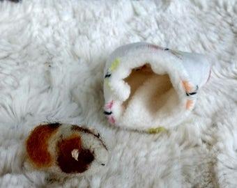 Guinea Pig Needle Felted Pocket Pet Miniature Birthday Cavies Cavy  Lovinclaydolls Lisa Haldeman Easter