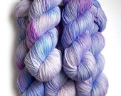 Hand Dyed Yarn Glimmer Superwash Merino and Nylon Fingering Sock Yarn - Hydrangea, 430 yards