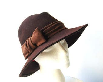 Classy vintage 80s dark chocolate brown, wool, fedora style hat. Made by Frank Olive. Size 21