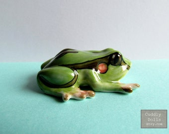 Frog Ceramic Figurine,Frog Figurine Collector,Porcelain Figurine,Forg Porcelain figurine,Toad Animal,Dollhouse Miniatures,Home Decor