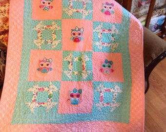 Applique girls baby quilt with owls, baby girl quilt, modern and traditional quilt, baby blanket, owl quilt, nursery with owls, baby decor