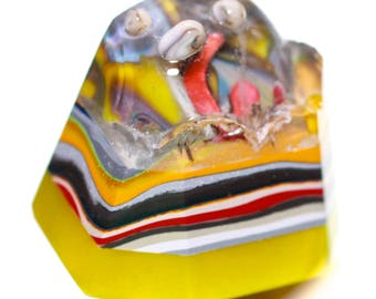 Button ~ Intermixed Yellow Base, Fordite, Intermixed Top, Embedded Copper, 3 Laminated Layers, Hand-Faceted, Made By KPHoppe - Medium