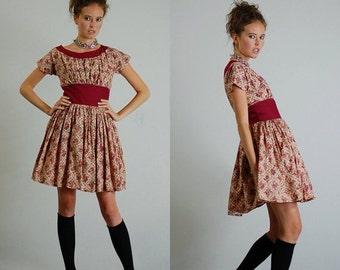 sale 25% off every sunday Calico Floral Folk Dress Vintage 70s Calico Floral Prairie Folk Dress  (s m)