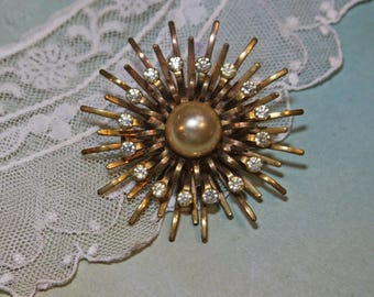 Vintage STARBURST BROOCH- Large Pin Goldtone with Rhinestones and Center Pearl- Costume Jewelry