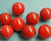Lot of 8 vintage 1940s opaque round deep red genuin tested bakelite plastic beads for your jewelry prodjects