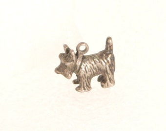 Vintage Terrier / Scotty Dog Charm Pendant Silver Small Dog Charm