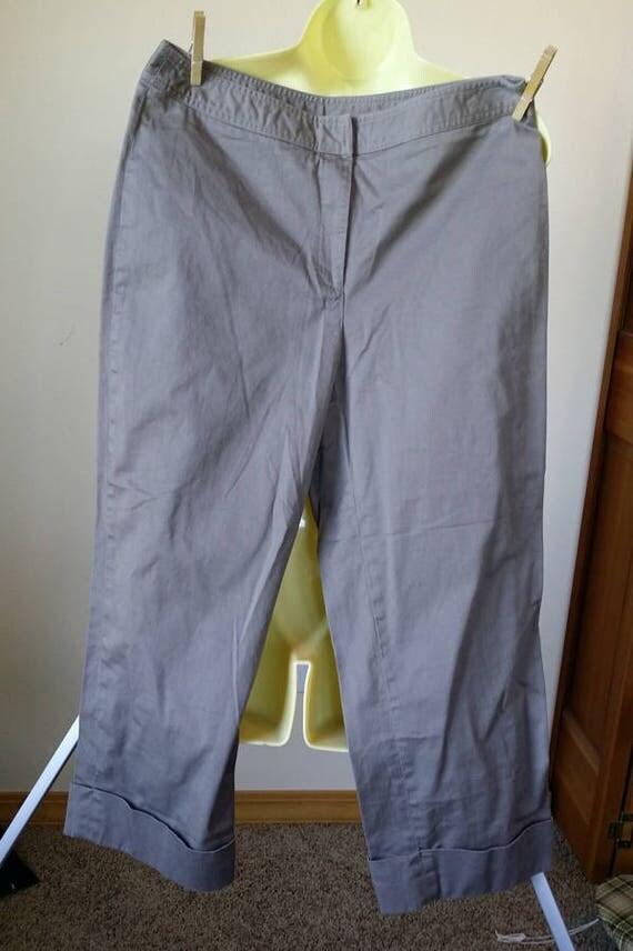 womens capris short pants 30 x 23 gray brown size 10  summer clothing