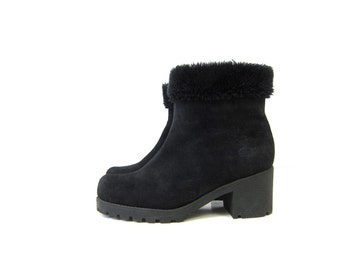 Black Suede Leather ankle Boots Furry Lined Zip Up Snow Fur boots Leather Chunky Heels Winter Boots women's size 9