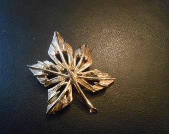 Vintage gold leaf pin