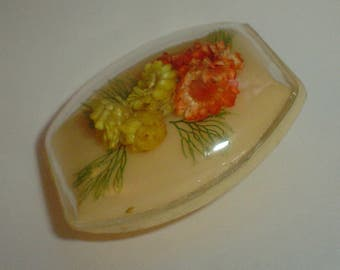 Vintage brooch - celluloid 1940s real dried flowers early plastic deco perspex