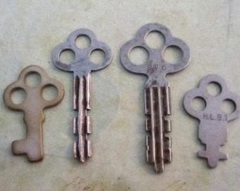 Vintage old keys- Steampunk - Altered art B32