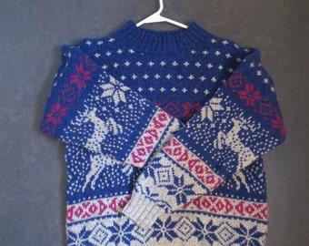 Vintage Wool Reindeer Snowflake sweater / Womans Sweater / Size medium / blue red gray design wool rayon blend