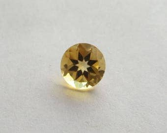 2 carat Natural Amber Citrine Loose Gemstone, 8.2mm round cut, 6mm deep, great for use in a pendant