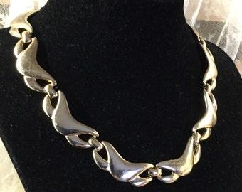 Modernist Goldtone Wavy Link Necklace Signed Monet Tripleplated