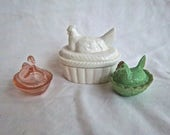 Vintage Collectible Glass Mini Animal Chicken and Duck Covered Keepsake Box or Dish Vintage Home and Living Ring Dish Up Cycle Decor