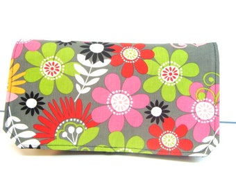 Coupon Organizer / Budget Organizer Holder - Attaches to Your Shopping Cart- BRIT DAISIES
