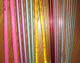 Knitting Needles 11 Pair Aluminum or Plastic 10 Inch Needles Used Single Point Free US Shipping