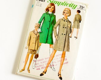Vintage 1960s Womens Size 10 Coat in Two Lengths Simplicity Sewing Pattern 7307 Complete / bust 31 waist 24 / Double or Single Breasted