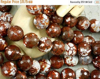 SALE 12 Faceted Agate Beads Rust, Brown & White 16mm Disco Round (5127)