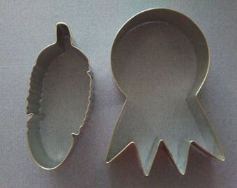 "Dream catcher and feather cookie cutter, set 2, 4.5"" dream catcher, 4"" feather,Tribal cookie cutter, prize ribbon cookie cutter, Made in USA"