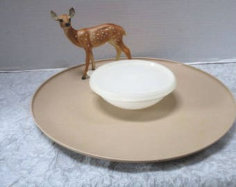 Vintage Tupperware Dip N Serve Complete 3 piece Set, Round Platter Bowl Lid, Crackers Veggies Chip Dip Lifetime Guarantee Picnic, Taupe 492