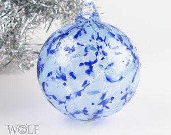 Blown Glass Christmas Tree Holiday Ornament Suncatcher Pale Ice Blues