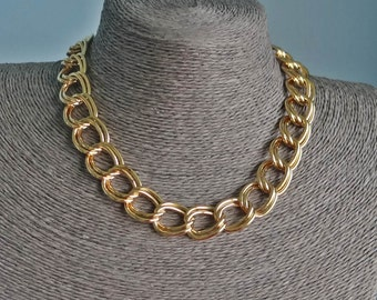 """Vintage gold tone 16"""" necklace in great condition, high end maker"""