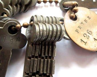 DESTASH 24 Vintage keys Jewelry keys Cheap key Numbers 127 to 150 Bargain Lot of keys Wholesale keys Wedding key Bulk keys Numbered keys #10