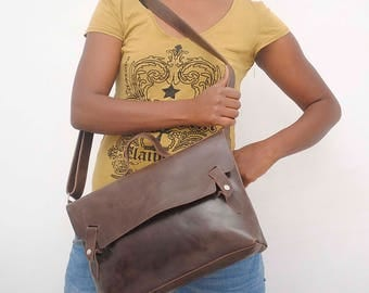 Women leather laptop bag women Leather cross body bag Leather women messenger bag Women laptop bag Women work bag leather school bag Brown