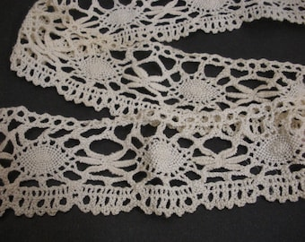 Vintage Off White Wide Bobbin Lace - 34 inches