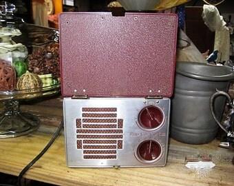 Motorola Lunchbox Radio, Prewar Motorola Radio, 1940's Radio, Box Radio,Vintage Radio with Lid, 5 Tube Radio, Vintage Portable Radio